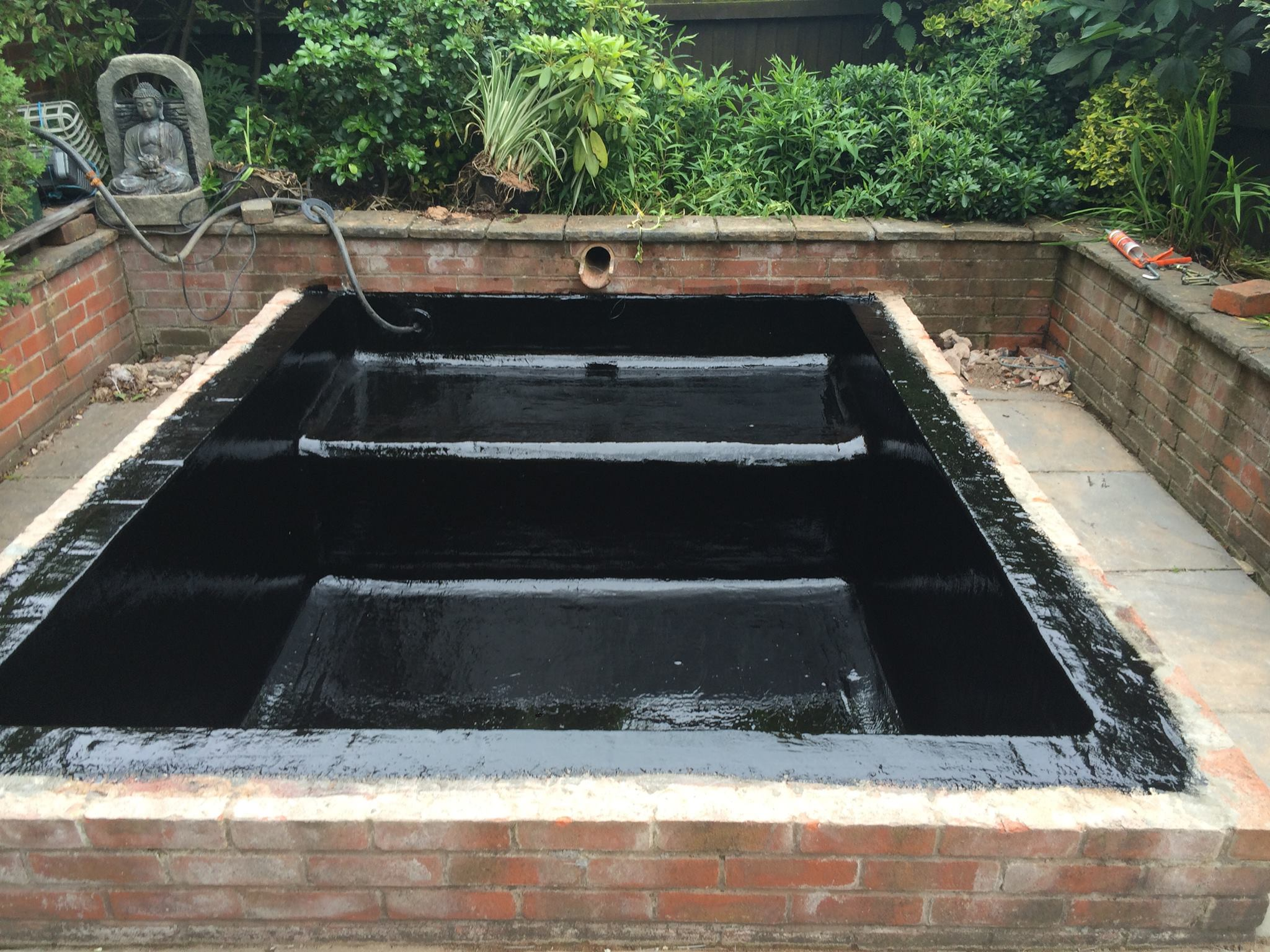 Pond lining stourbridge diamond fibreglass ltd for Building a pond with liner